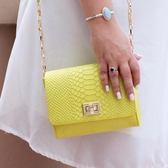 GiGi New York Handbags - Gigi NewYork Catherine Crossbody